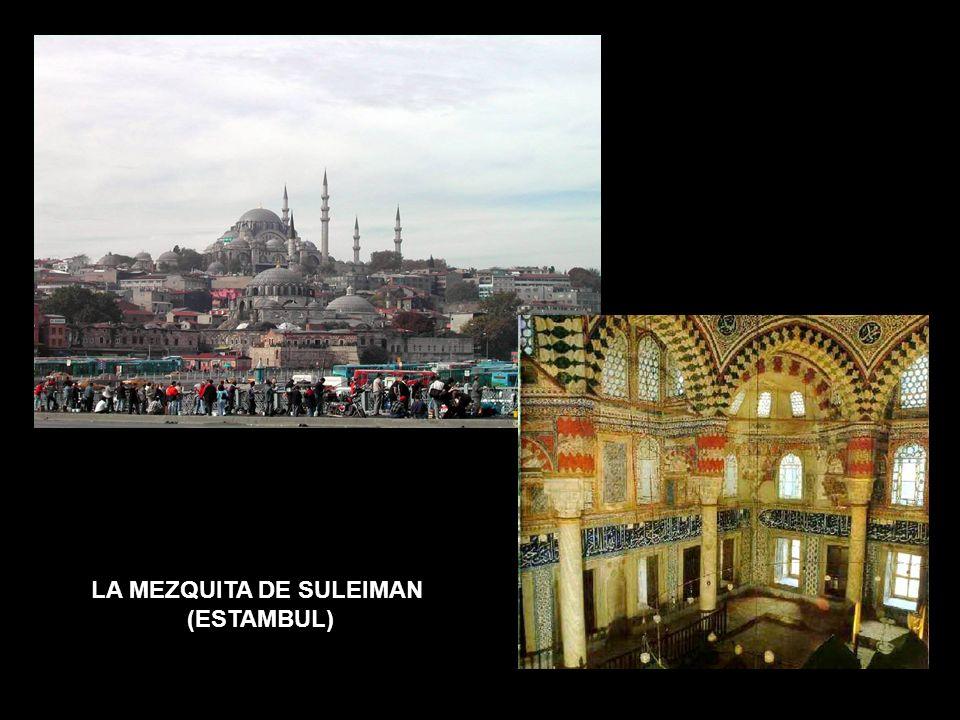 LA MEZQUITA TURCA LA MEZQUITA DE SULEIMAN (ESTAMBUL)