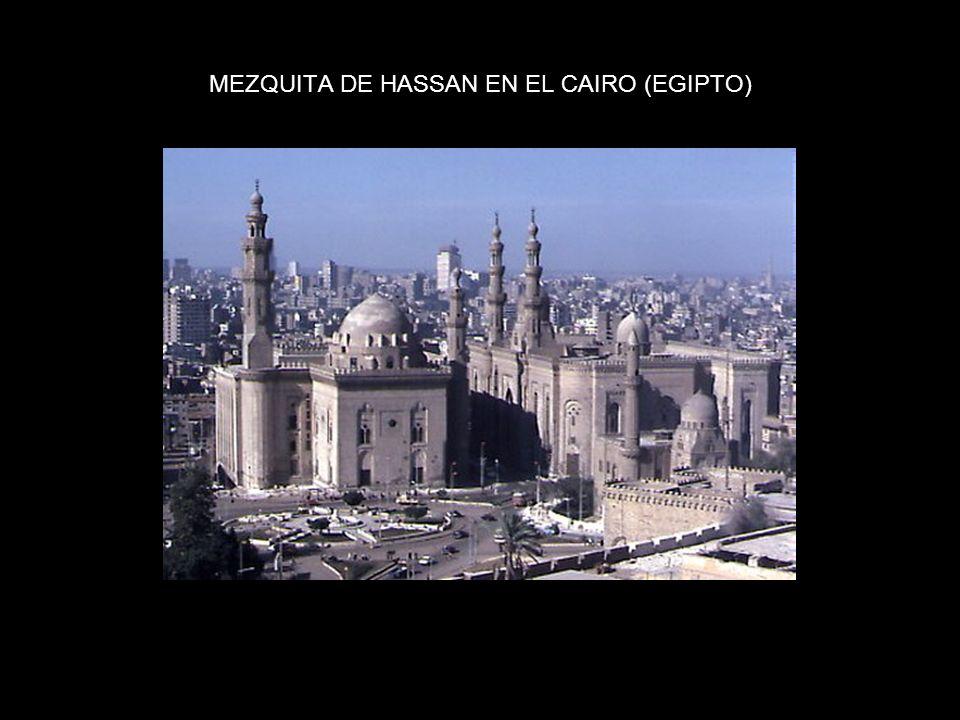 MEZQUITA DE HASSAN EN EL CAIRO (EGIPTO)