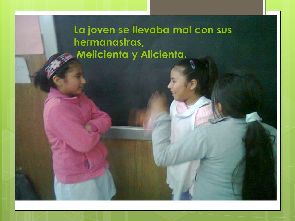 Melicia vivía en un departamento en Buenos Aires, con sus hermanastras, su madrastra y su papá.