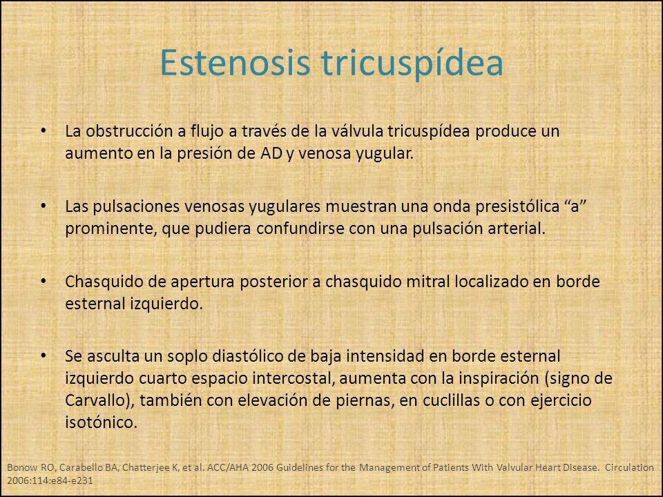 La obstrucción a flujo a través de la válvula tricuspídea produce un aumento en la presión de AD y venosa yugular. Las pulsaciones venosas yugulares m