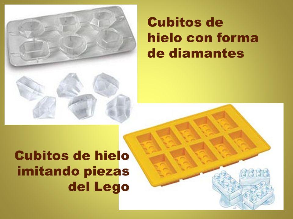 Cubitos de hielo con forma de diamantes Cubitos de hielo imitando piezas del Lego