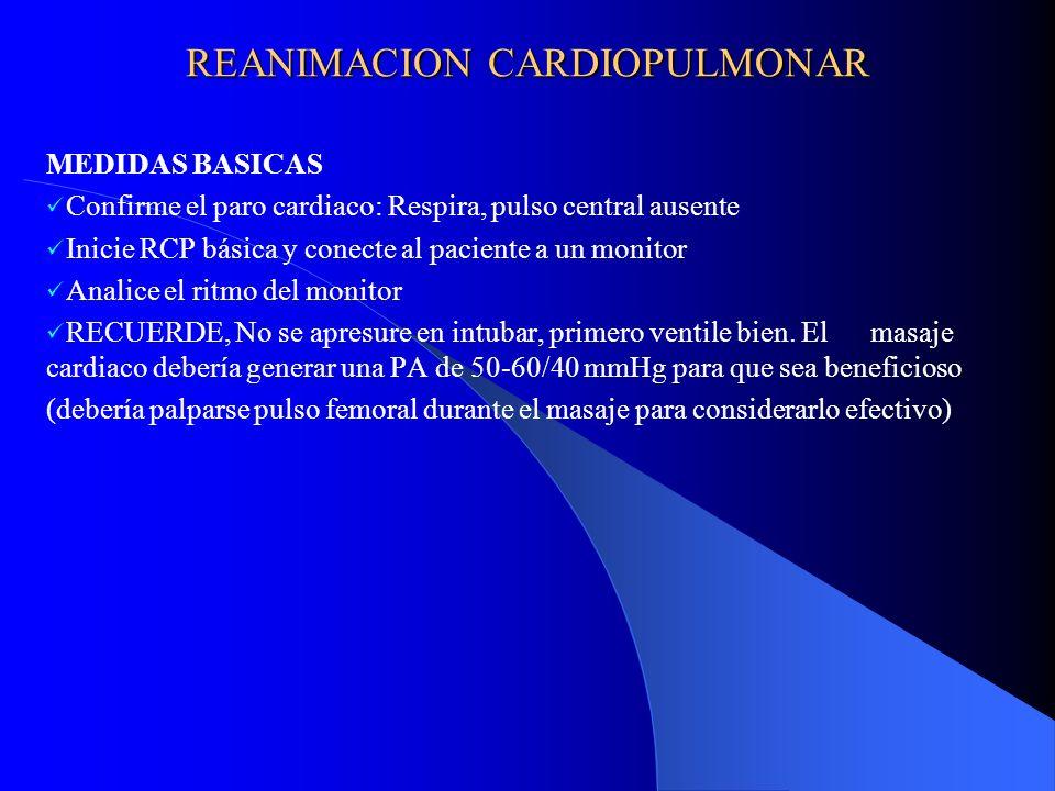 FV / TV SIN PULSO Confirme que no sea artefacto Defibrile con 200-300-360 J de onda monofásica y 150-150-200 J deonda bifásica Si no se recupero, entonces: o Ventile + acceso EV o IOT + Oxigenación o Adrenalina 1 mg EV + masaje cardiaco por 1 minuto Si el paciente se recuperó, inicie amiodárona en infusión con inotrópicos y/o vasopresores oDobutamina 7.5 ug/K/min si PAS > 90mmHg oDopamina 10-20 ug/K/min si PAS entre 60 y 90 mmHg oDopamina + Adrenalina 10ug/min si PAS < 60 mmHg Si la FV es refractaria