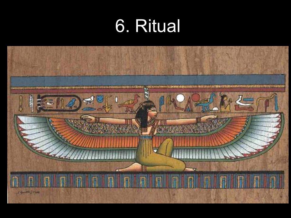 La evolución del Ritual Los primeros Rituales eran breves, pero dejaban clara la superioridad jerárquica de este grado sobre los precedentes.