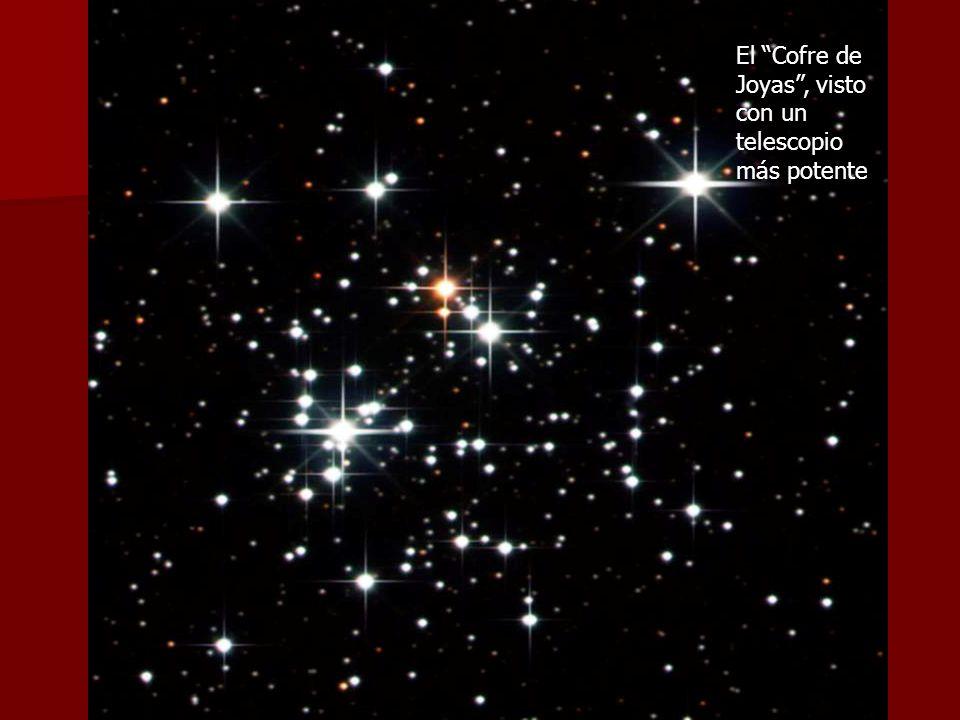 El Cofre de Joyas, con su forma triangular semejante a la letra A El Cofre de Joyas, visto con un telescopio más potente