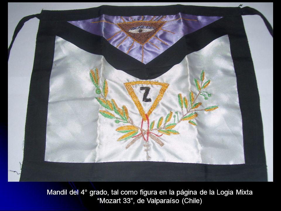 Mandil del 4° grado, tal como figura en la página de la Logia Mixta Mozart 33, de Valparaíso (Chile)