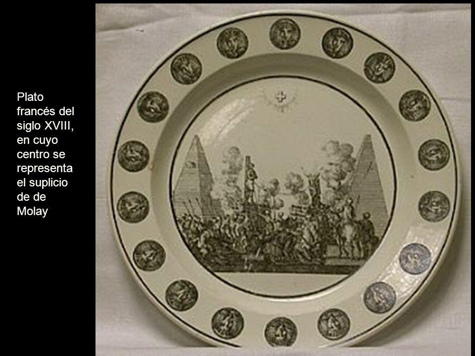 Plato francés del siglo XVIII, en cuyo centro se representa el suplicio de Molay