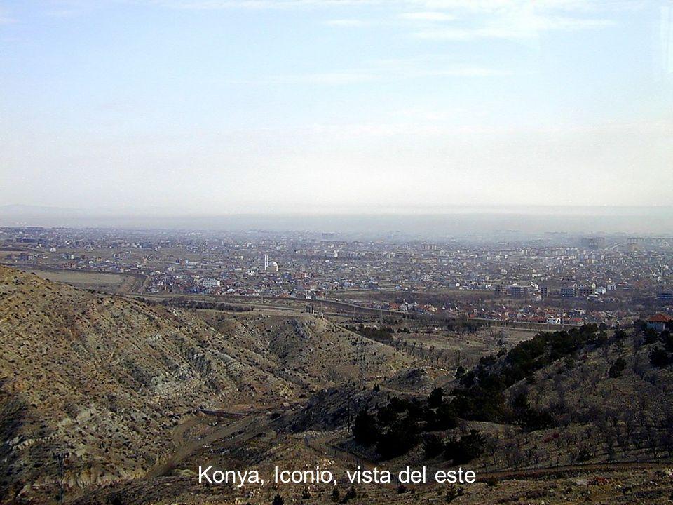 Konya, Iconio, vista del este