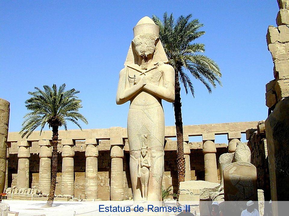 Estatua de Ramses II