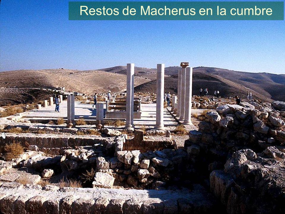 Restos de Macherus en la cumbre