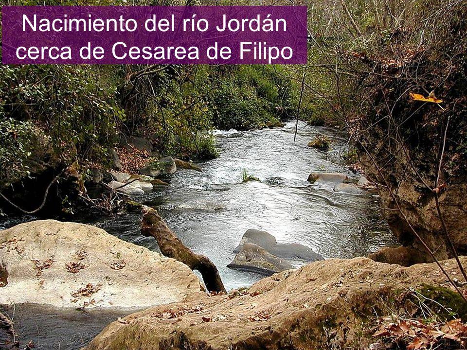 Nacimiento del río Jordán cerca de Cesarea de Filipo