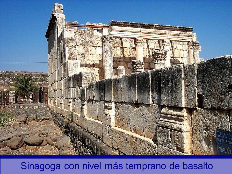 Sinagoga con nivel más temprano de basalto
