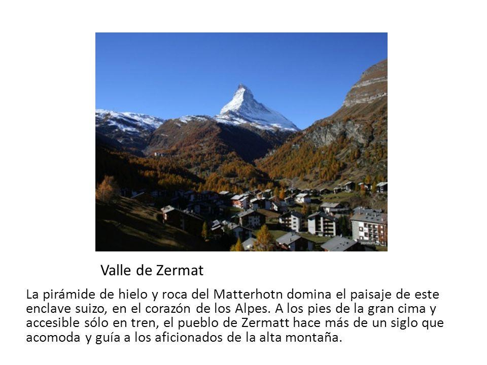 Valle de Zermat La pirámide de hielo y roca del Matterhotn domina el paisaje de este enclave suizo, en el corazón de los Alpes. A los pies de la gran