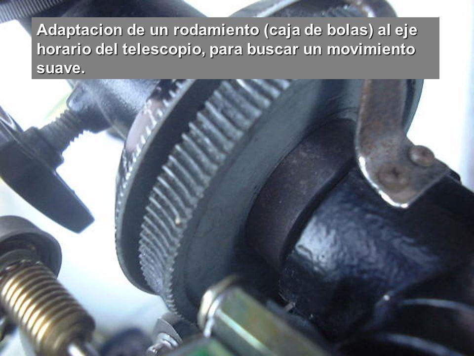 Incorporación de la rueda dentada (procedente de una impresora defectuosa) para usarla conjuntamente con un motor eléctrico.