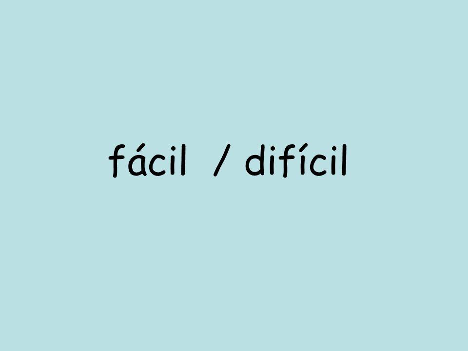 Reorganise the following sentences 1.encanta el es porque me divertido francés 2.no es simpática historia profesora la la de 3.