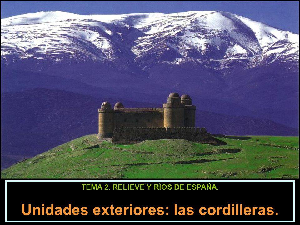 Las cordilleras exteriores. Los Pirineos. Aneto (3404 m). Monte Perdido (3355 m)