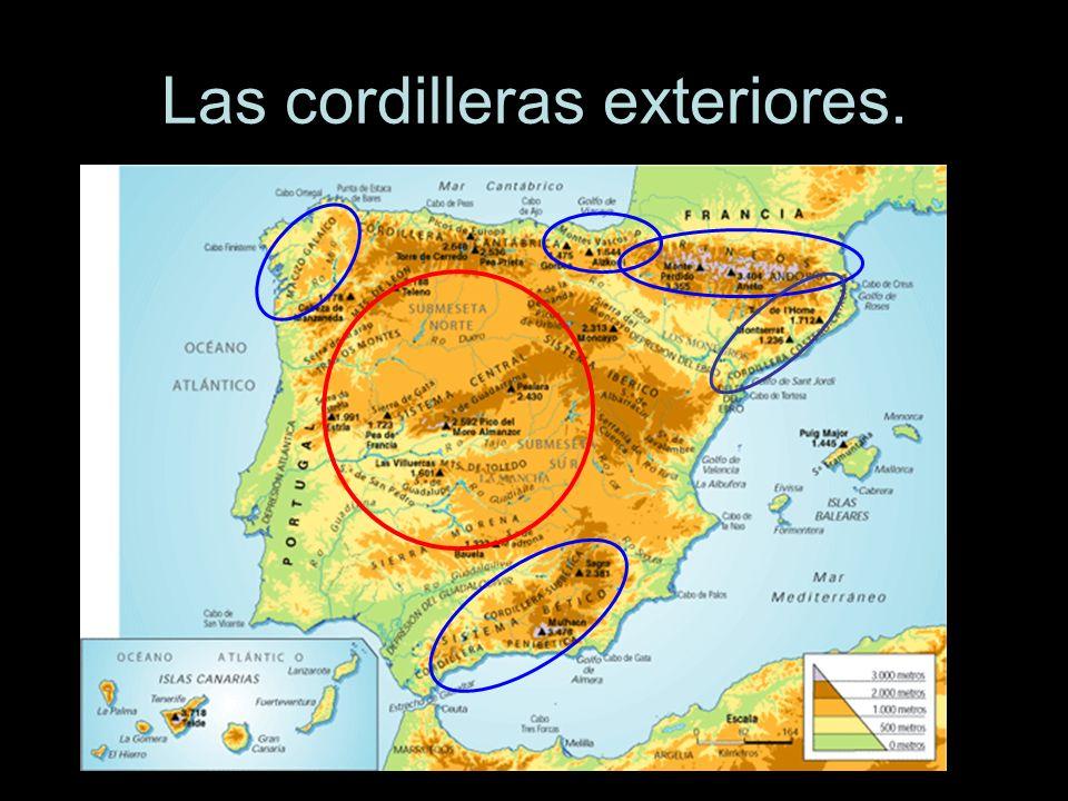 Macizo Galaico.Se sitúa en el Noroeste de la Península Ibérica, sin contacto con la Meseta.