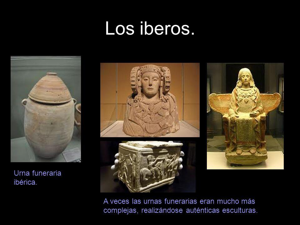 Los iberos. Urna funeraria ibérica. A veces las urnas funerarias eran mucho más complejas, realizándose auténticas esculturas.