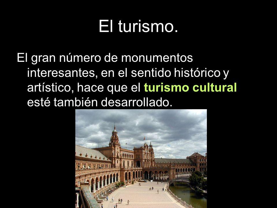 El gran número de monumentos interesantes, en el sentido histórico y artístico, hace que el turismo cultural esté también desarrollado.