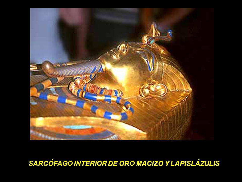 SARCÓFAGO INTERIOR DE ORO MACIZO Y LAPISLÁZULIS