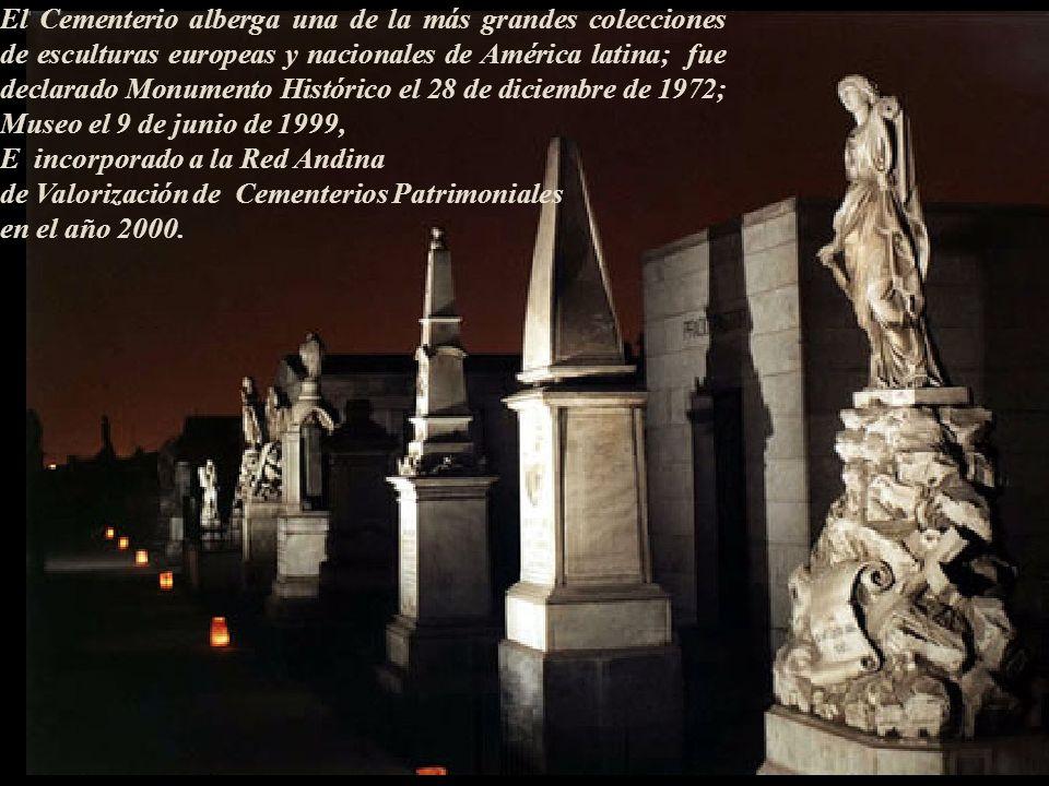 Sus restos inicialmente enterrados en la sacristía de la capilla, hoy descansan desde el 1 de setiembre de 1857 en el pasadizo central de la cuarta pu