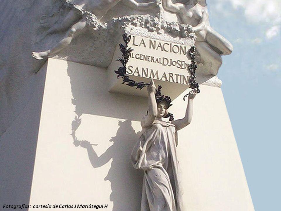 En 1822, instalado el Congreso Constituyente del Perú en la capilla del local de la Universidad de San Marcos, se acordó que la plaza antes llamada de