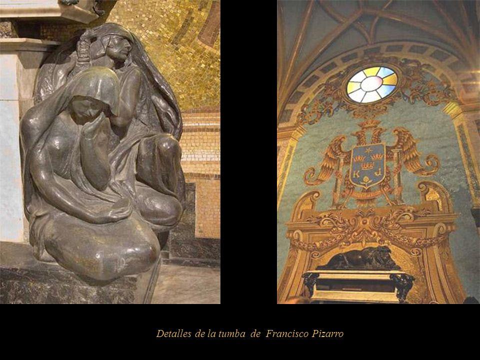 Tumba de Francisco Pizarro (1468-1541) Obra de: Manuel Piqueras Cotolí ( 1886-1937) Realizada en bronce, mármol de Carrara y recamado en oro y plata,