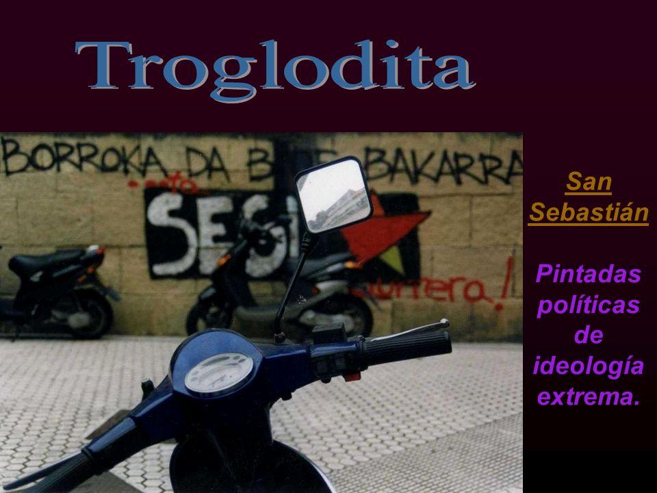 Lugo Sol punzante de verano, que funde el asfalto de la fría ciudad.