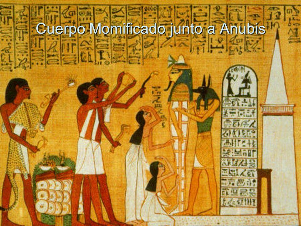 Continuación Los egipcios adoraban a Osiris, quién juzgaba el alma, a Ra (Dios Sol), dios principal del imperio, y a centenares de divinidades que representaban con cabeza de animal, así como los gatos, escarabajos, serpientes y al buey Apis.