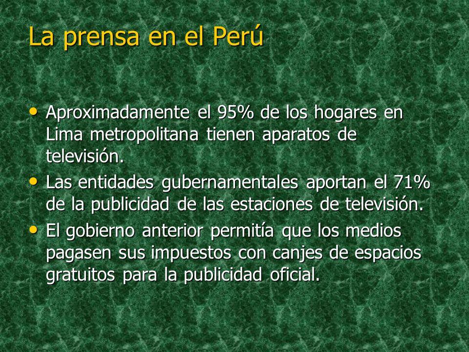 Medios de Comunicación en el Perú El El Comercio Comercio tiene la mayor circulación diaria, estimada en 180 mil ejemplares. La La mitad de los lector