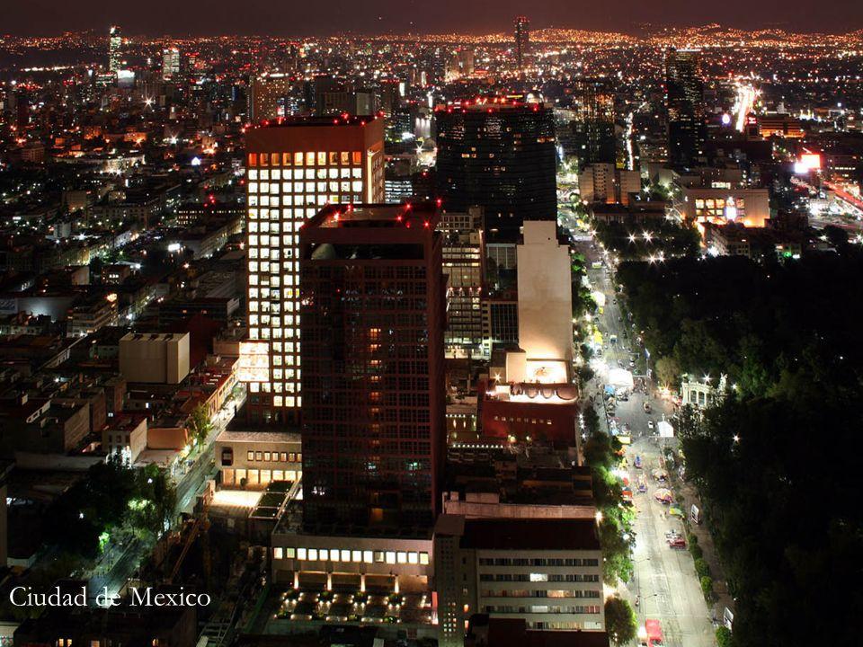 Geografia La planitud del valle de México, en el que se asienta la mayor parte de los habitantes del Distrito Federal sólo es interrumpida por pequeñas lomas y cerros.