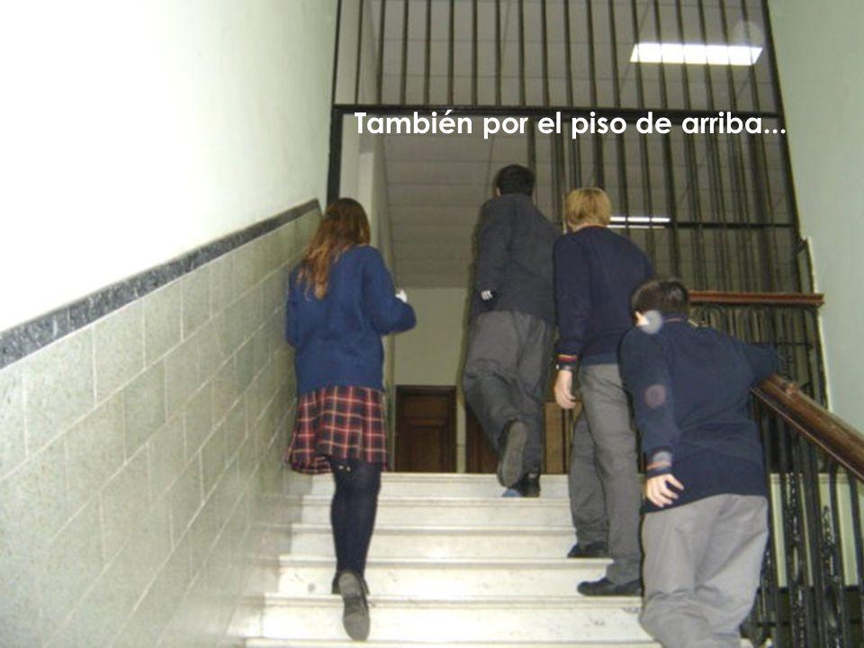 Buscaron por los pasillos...
