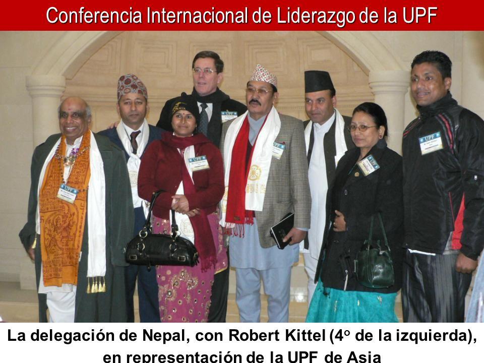 Conferencia Internacional de Liderazgo de la UPF La delegación de Nepal, con Robert Kittel (4 o de la izquierda), en representación de la UPF de Asia