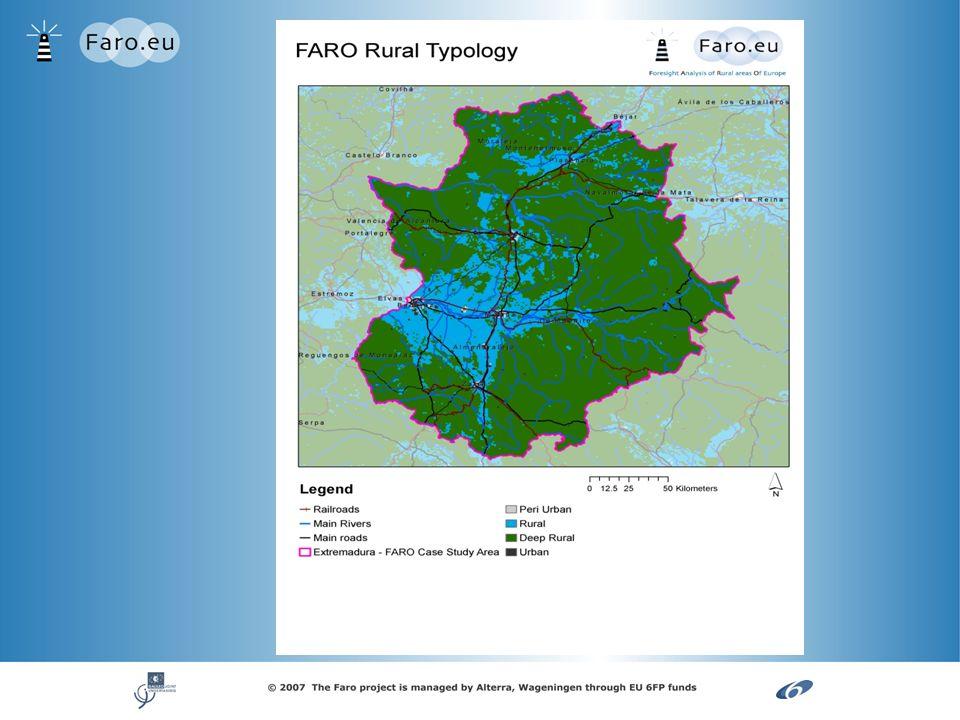 Tabla 1 Fuerza motriz Importancia en 2030 (1 - 5) (1 - 5)Razón Importancia (1-5) Área peri- urbana Importanci a (1-5) Área rural Importanci a (1-5) Área rural remota 1 2 3 etc.
