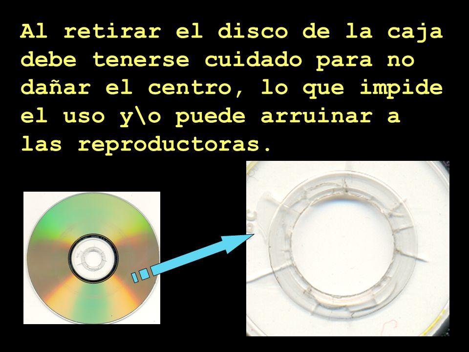 Apoyar los los discos sobre cualquier superficie o apilarlos es destructivo.