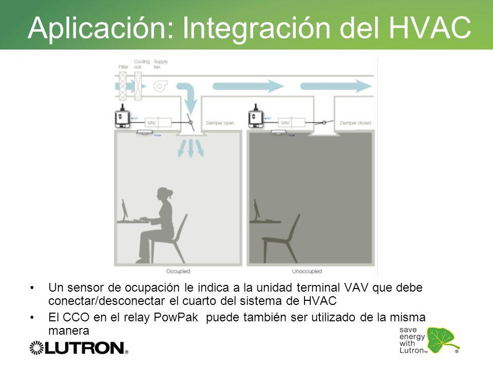 Un sensor de ocupación le indica a la unidad terminal VAV que debe conectar/desconectar el cuarto del sistema de HVAC El CCO en el relay PowPak puede