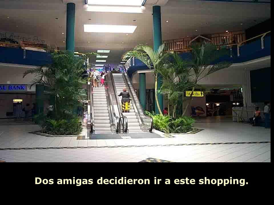 Ria Slides Dos amigas decidieron ir a este shopping.