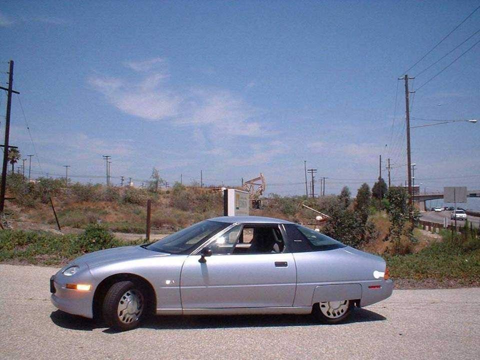 En 1996, los primeros autos eléctricos de producción en serie, los EV1 (Electric V, fueron fabricados en los EUA por la General Motors, y circularon p