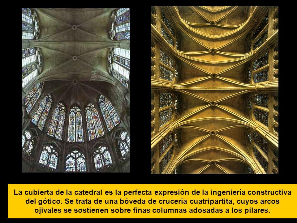 La cubierta de la catedral es la perfecta expresión de la ingeniería constructiva del gótico. Se trata de una bóveda de crucería cuatripartita, cuyos