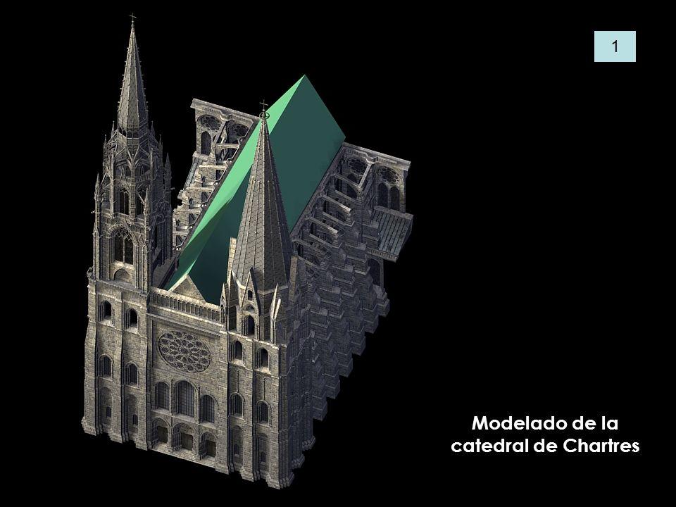 La nave central, presenta un alzado de tres pisos: arcada principal, triforio y el piso de ventanas.