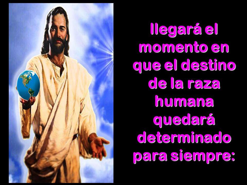 Juan lo ve en visión intercediendo en el lugar santo del santuario celestial (Apo.