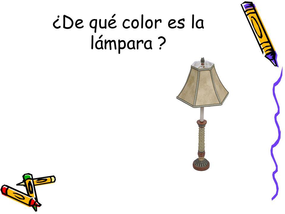 ¿De qué color es la lámpara ?