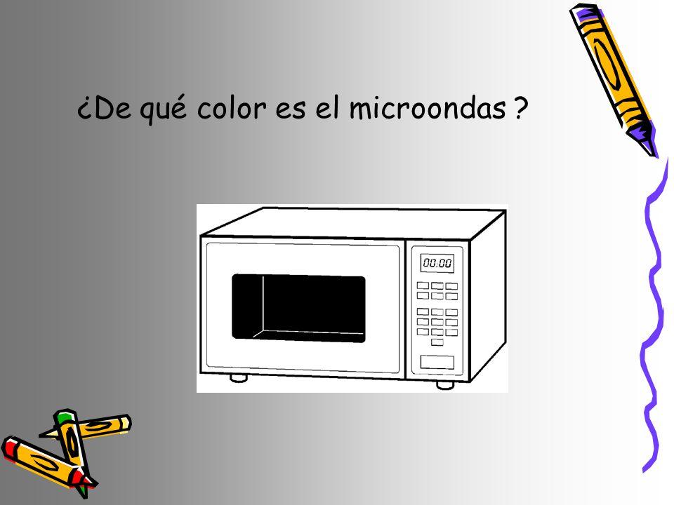 ¿De qué color es el microondas ?