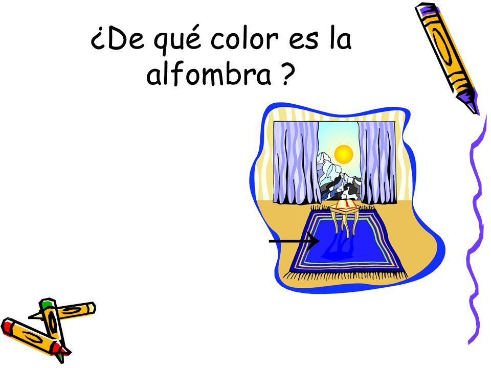 ¿De qué color es la alfombra ?