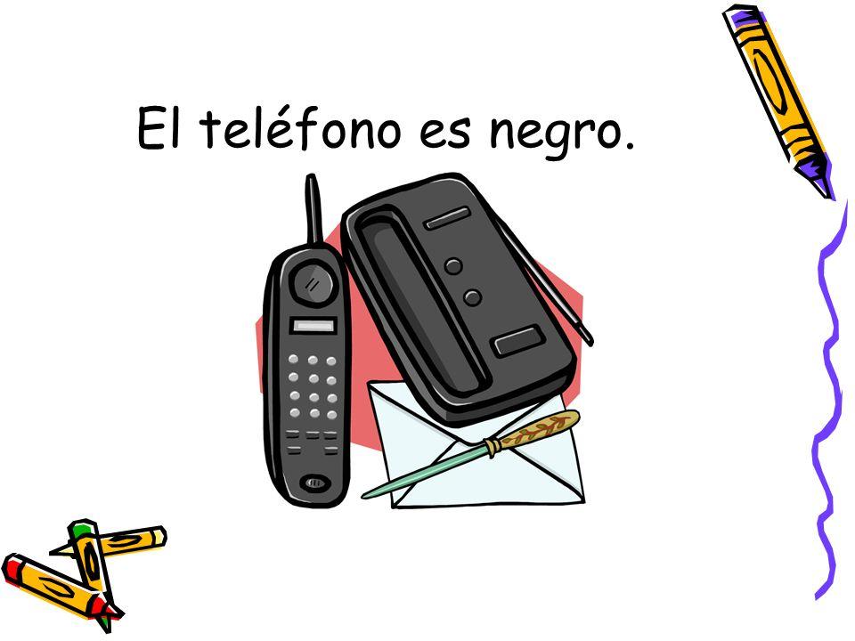 El teléfono es negro.