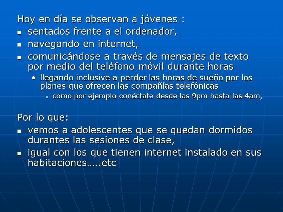 Hoy en día se observan a jóvenes : sentados frente a el ordenador, sentados frente a el ordenador, navegando en internet, navegando en internet, comun