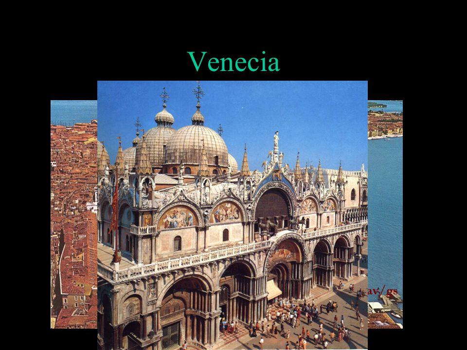 Italia, siglo XV Al inicio del siglo XV el territorio italiano se presentaba muy fragmentado en estados de diversa extensión e importancia.