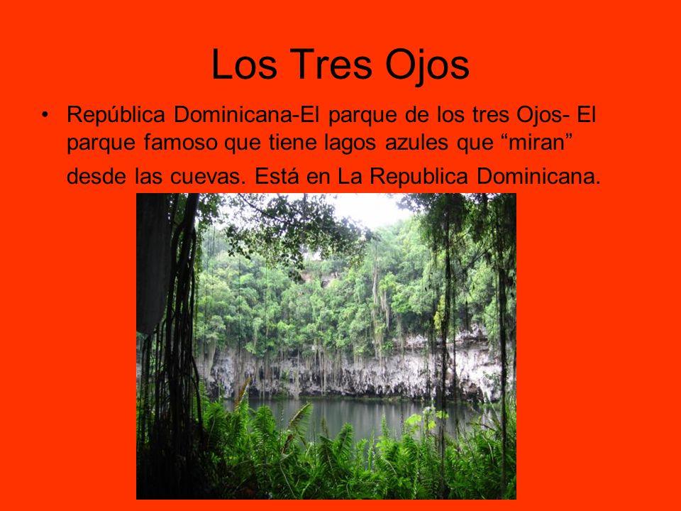 Los Tres Ojos República Dominicana-El parque de los tres Ojos- El parque famoso que tiene lagos azules que miran desde las cuevas. Está en La Republic
