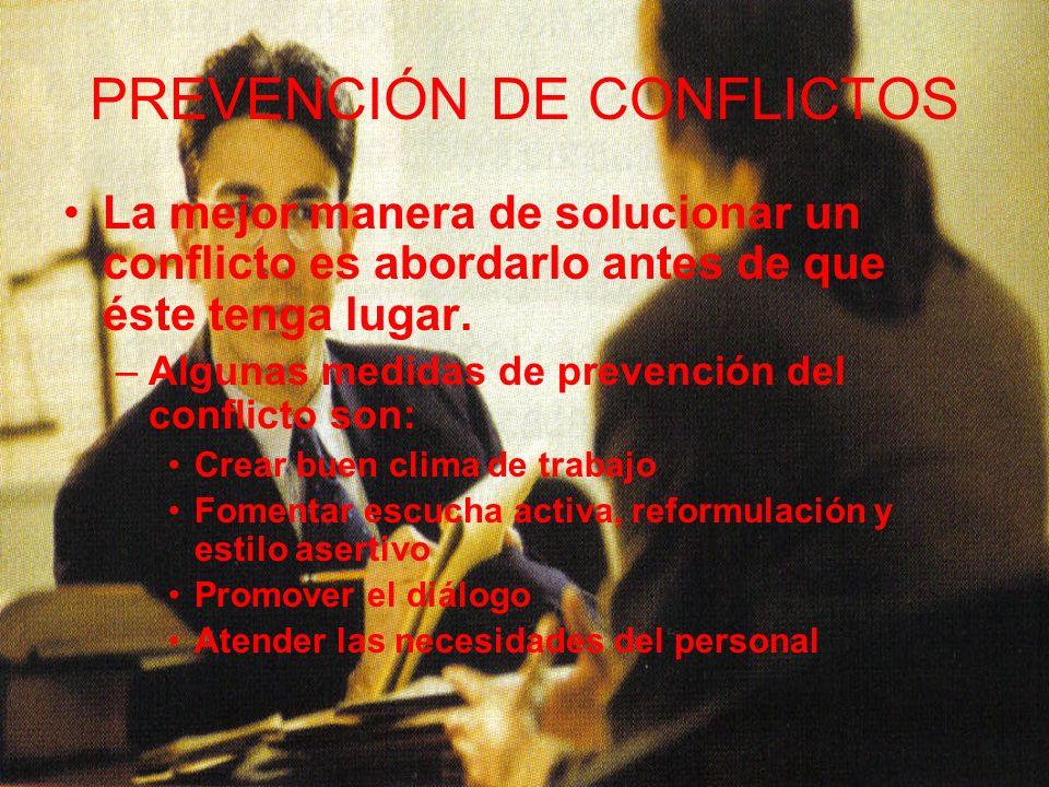 CLASIFICACIÓN DE CONFLICTOS LABORALES Según el número de personas afectadas: Conflicto individual: Se produce entre un jefe y un subordinado –El objeto del conflicto, suele ser una reivindicación de carácter individual.