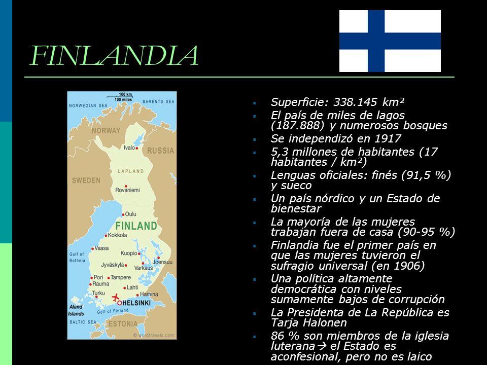 FINLANDIA Superficie: 338.145 km² El país de miles de lagos (187.888) y numerosos bosques Se independizó en 1917 5,3 millones de habitantes (17 habita