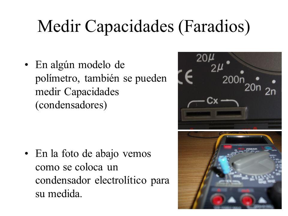 Medir intensidades (Amperios) El flujo de electrones que pasa por los conductores eléctricos puede ser medido.